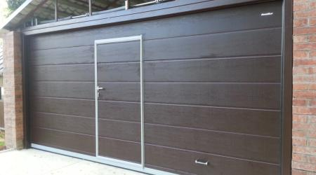 Ворота секционные с калиткой: конструкция